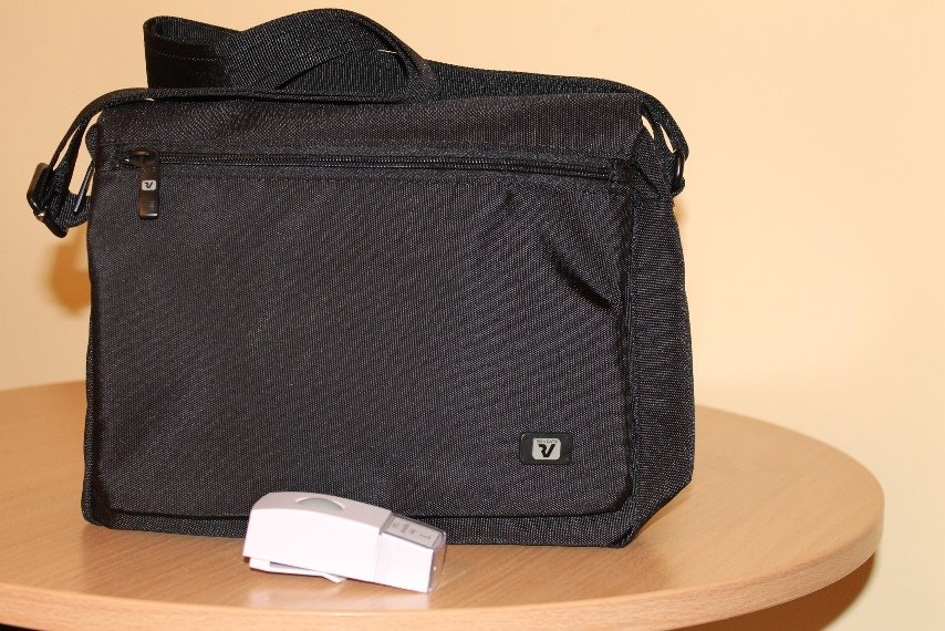 női pénzszállító táska távirányítóval1