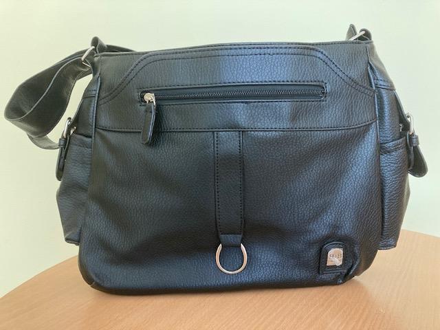 Pénzszállító táska – női vállpántos